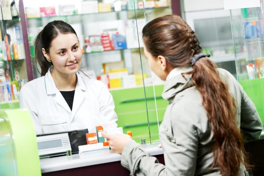 Эластичные бинты стоят недорого и продаются в каждой аптеке