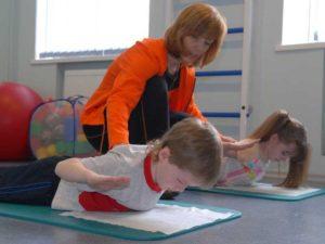 ЛФК для детей с проблемами сколиоза