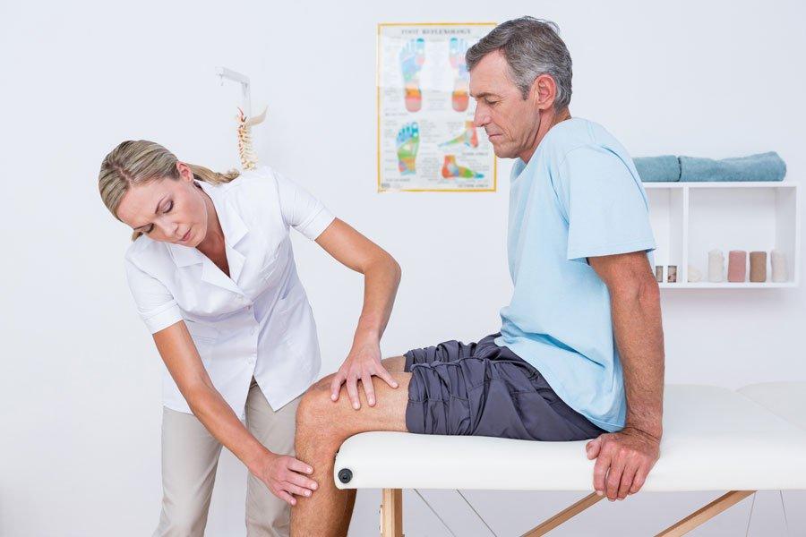 Осмотр спортивным врачом