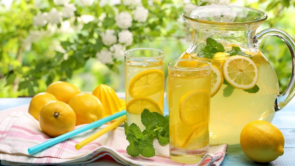Полезные напитки с соком лимона