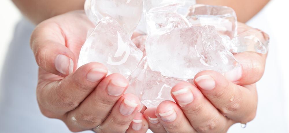 Массаж льдом