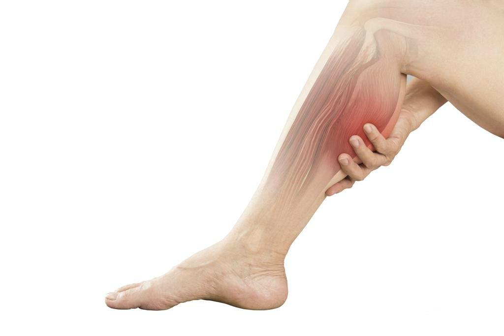 Процесс атрофирования мышц на голенях