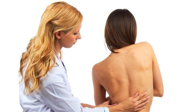 Ювенильный остеохондроз: причины, симптомы и особенности заболевания, поражающего детей, подростков и молодых людей. Определение признаков, лечебная терапия и профилактика. Ювенильный остеохондроз