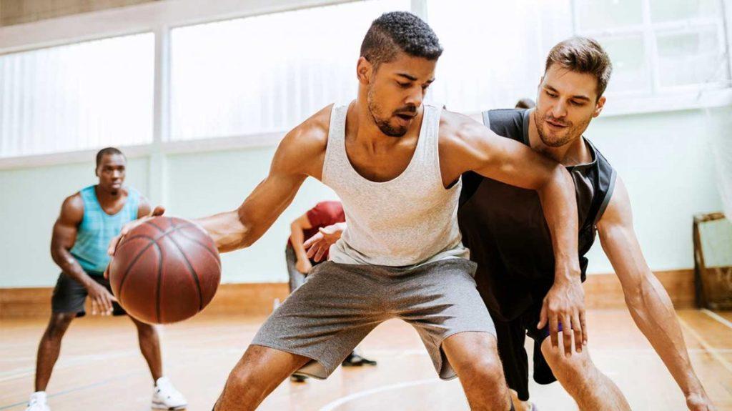 Люди, которые активно занимаются спортом