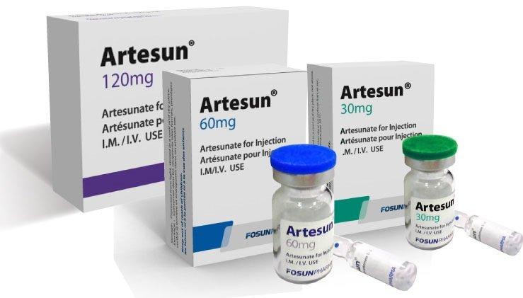 Введением антималярийных препаратов