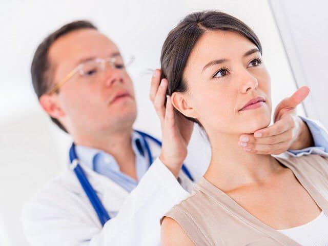 Диагностика и лечение при переломе шеи