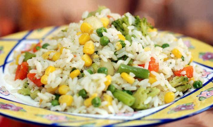 Отварные овощи и рис