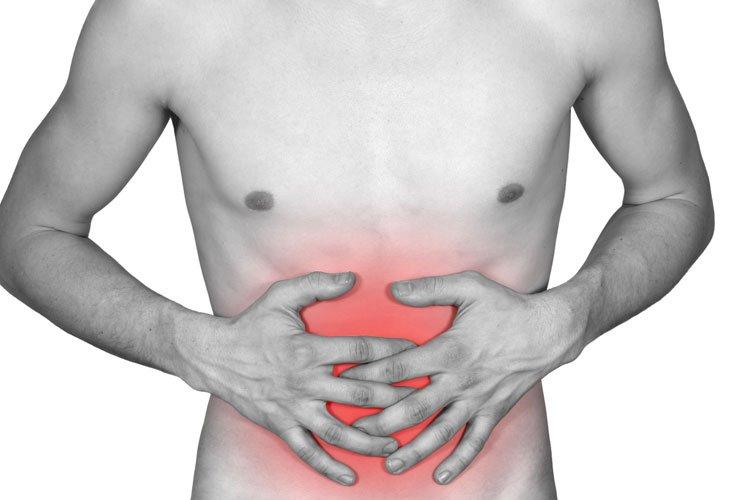 Болевой синдром в области пояснице могут говорить о проблемах с органами ЖКТ