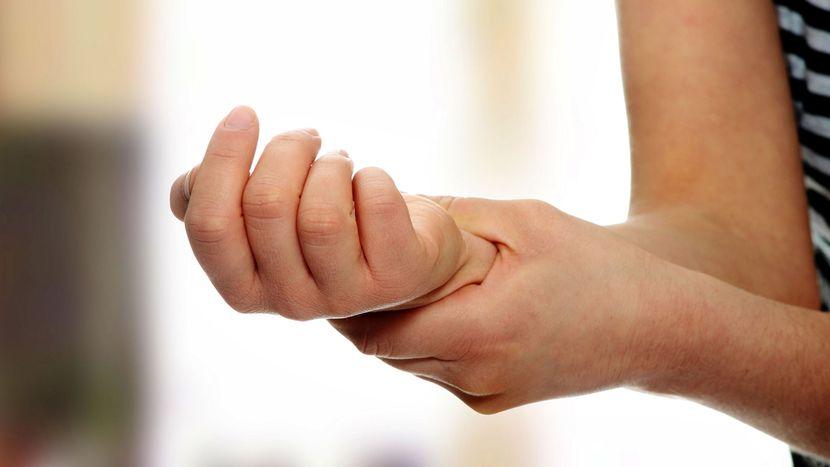 Затекание рук